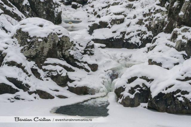 Cascada Ciucas iarna