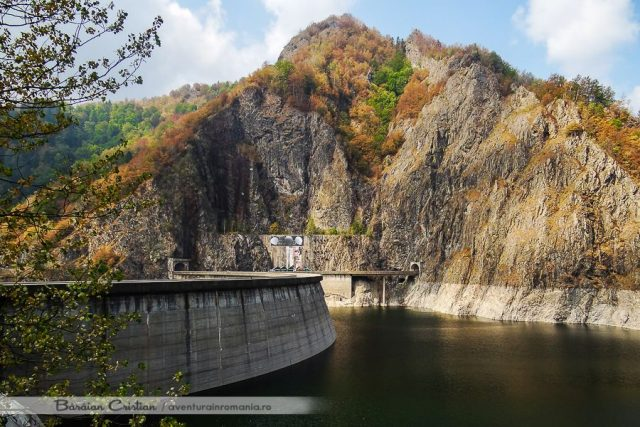 Barajul Vidraru
