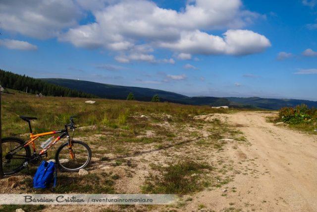 Pe bicicletă Muntele_Mare