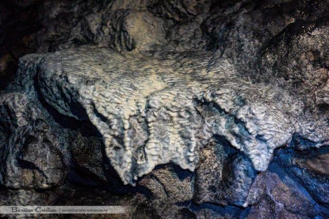 Peștera_Portalul_Zmeilor
