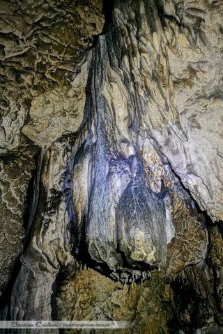 Peștera_Poarta_Zmeilor