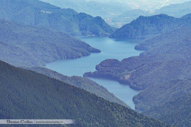 Vidraru vazut de pe Vârful Lespezi
